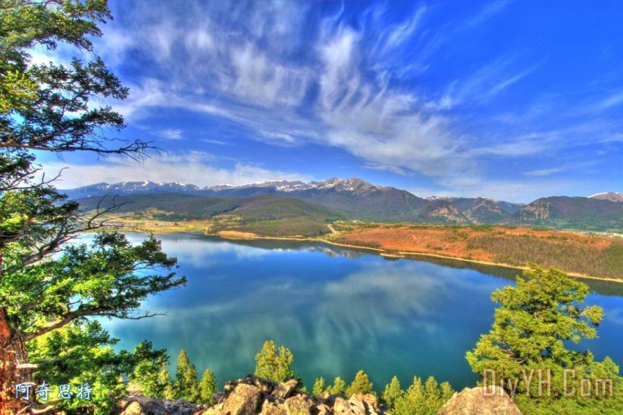 狄龙湖蓝色
