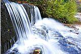 瀑布 - 小弯头瀑布和威廉姆斯河