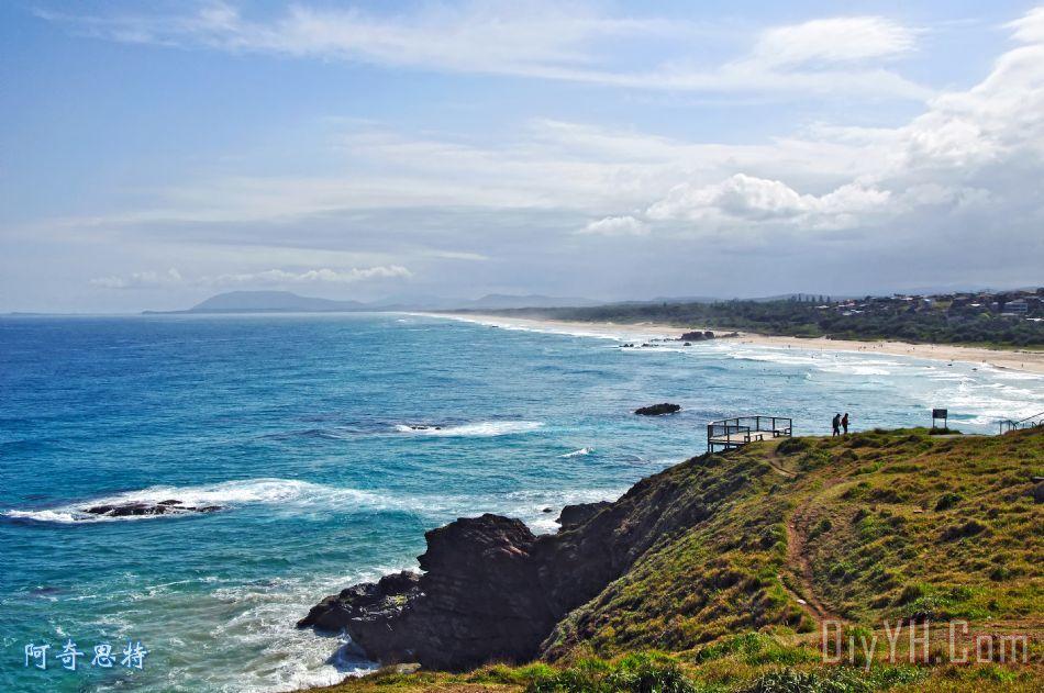 岩石海洋冲浪和阳光