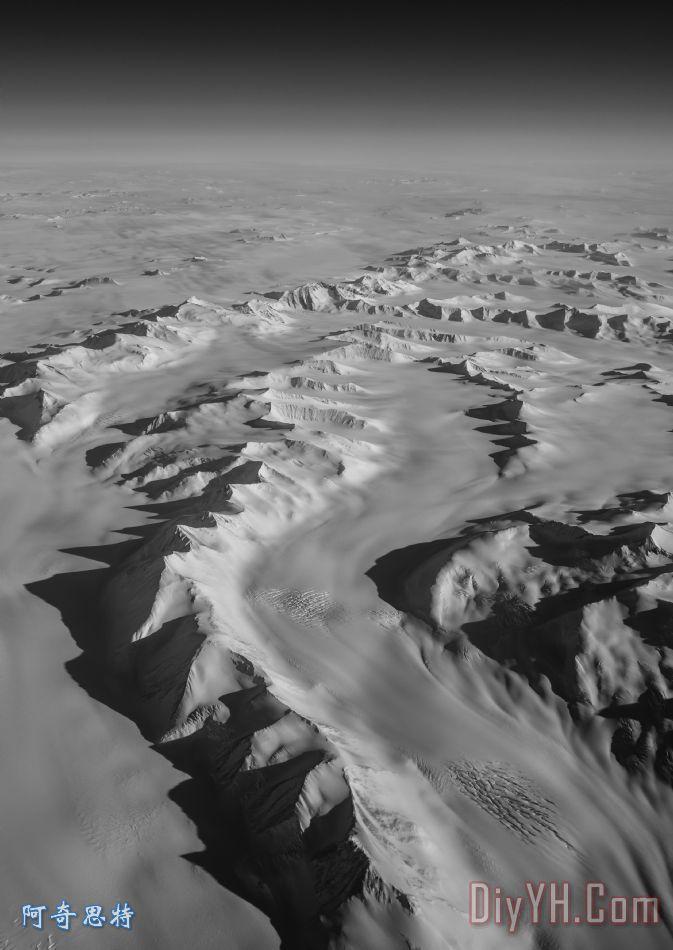 南极山脉装饰画_风景_黑白_冰川_南极洲_南极山脉油画