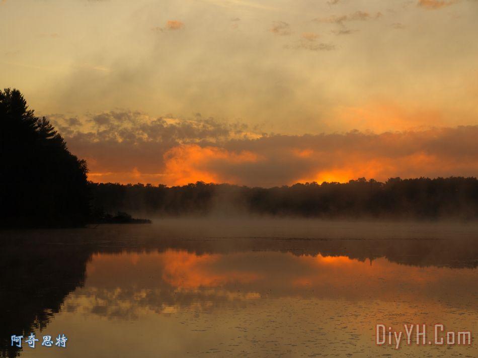 烟雾对水装饰画_风景_早晨_风景优美的_日出_烟雾对水